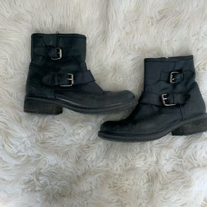 🌛Steve Madden 🌛 leather moto boots